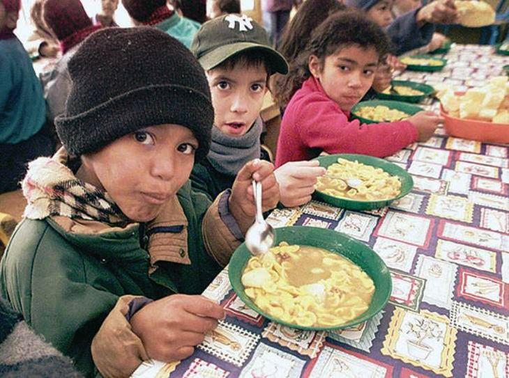 chicos-comiendo - Diario Móvil - Noticias de San Juan Argentina